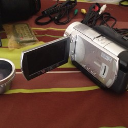 Sony 6.1MP Handycam HDR-UX7 Digital HD Video Camera Recorder Camcorder ouedkniss