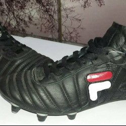 Chaussures Football fila crampon ouedkniss
