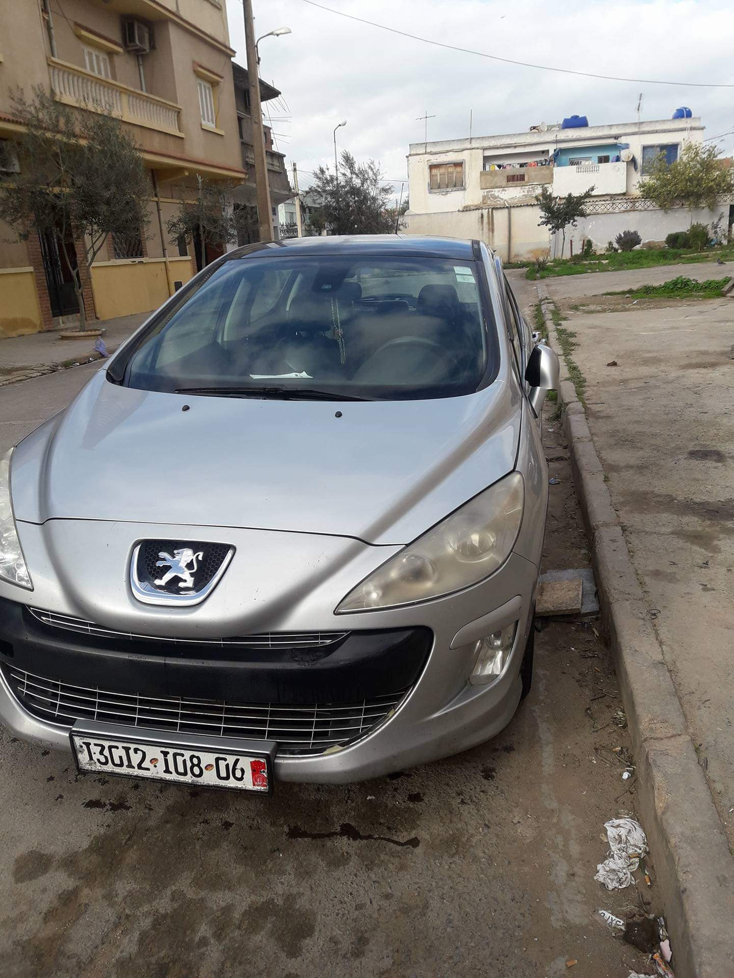 Peugeot 308 2008 ouedknisse
